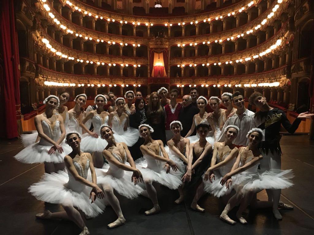 """BJB – Bellini Junior Ballet: """"Il Lago dei Cigni"""""""